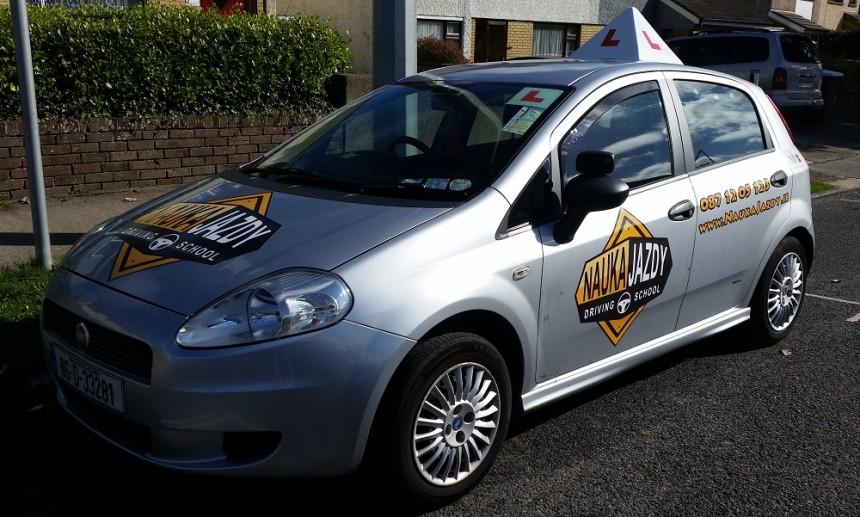 Samochod w Irlandii